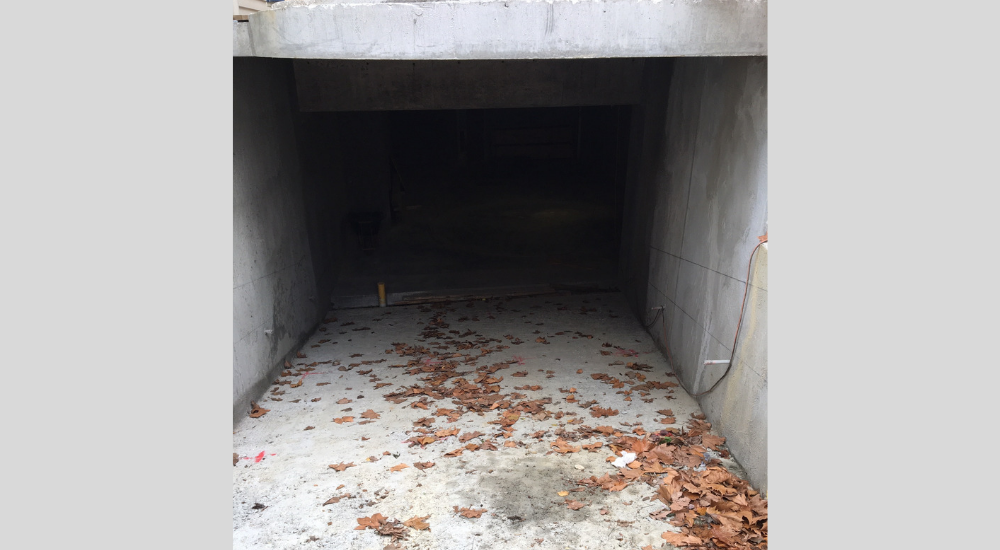 Hawthorn - Basement Driveway and Turntable
